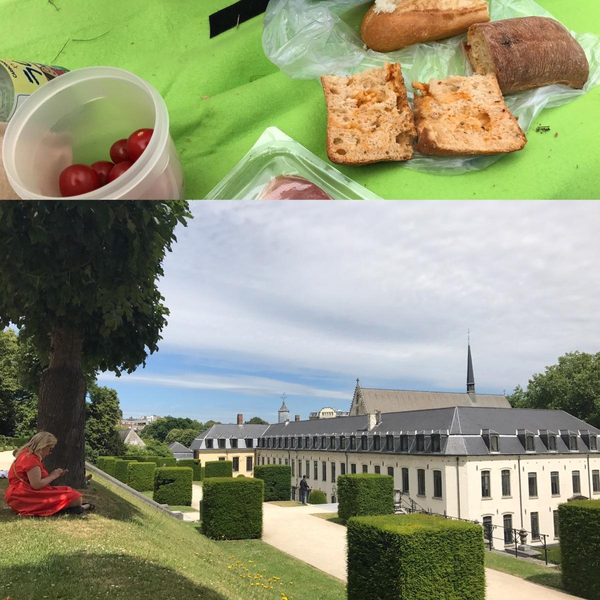 """Pique-nique au """"Jardin étagé"""" de l'Abbaye de la Cambre #bruxellesmabelle #lovebruxelles"""